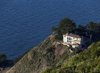 Coastal home in San Francisco's Seacliff